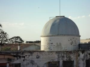 Estado atual (2014) das instalações do antigo observatório da UEPG no bairro Boa Vista. O local está desativado, e infelizmente a degradação da construção está se tornando crítica...